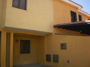 Townhouse En Venta En Municipio San Diego, Pueblo De San Diego, Venezuela, VE RAH: 17-4205