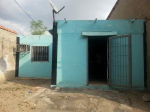 Casa En Venta En Intercomunal Maracay-Turmero, Intercomunal Turmero Maracay, Venezuela, VE RAH: 17-4238