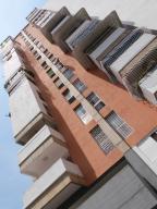 Apartamento En Venta En Caracas, Santa Monica, Venezuela, VE RAH: 17-4256