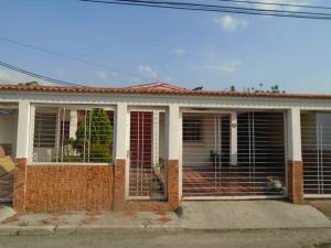 Casa En Venta En Guacara, Ciudad Alianza, Venezuela, VE RAH: 17-4297