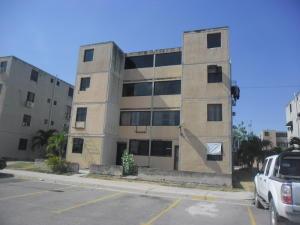 Apartamento En Venta En Municipio Los Guayos, Buenaventura, Venezuela, VE RAH: 17-4254