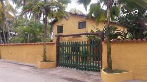 Casa En Venta En Municipio Antolin Del Campo Paraguachi, El Tirano, Venezuela, VE RAH: 17-4272