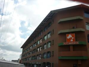 Local Comercial En Venta En San Antonio De Los Altos, La Rosaleda, Venezuela, VE RAH: 17-4286