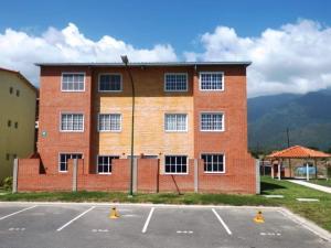 Apartamento En Venta En Guatire, Alto Grande, Venezuela, VE RAH: 17-4279