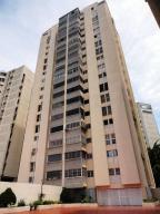 Apartamento En Venta En Caracas, Lomas De Prados Del Este, Venezuela, VE RAH: 17-4325
