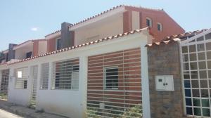 Casa En Venta En La Victoria, Piedra Pintada, Venezuela, VE RAH: 17-4337