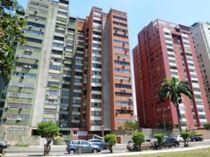 Apartamento En Venta En Valencia, Avenida Bolivar Norte, Venezuela, VE RAH: 17-4348