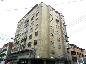 Apartamento En Venta En Caracas, La Florida, Venezuela, VE RAH: 17-4494