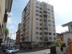 Apartamento En Ventaen Los Teques, Municipio Guaicaipuro, Venezuela, VE RAH: 17-4389