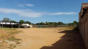 Terreno En Venta En Maracaibo, Zona Industrial Sur, Venezuela, VE RAH: 17-285