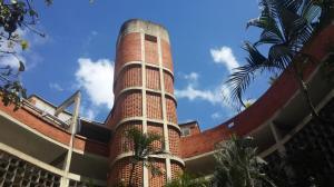 Apartamento En Venta En Caracas, Colinas De Bello Monte, Venezuela, VE RAH: 17-4370