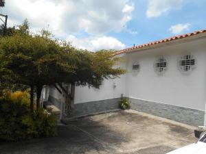 Casa En Venta En Carrizal, Municipio Carrizal, Venezuela, VE RAH: 17-5082