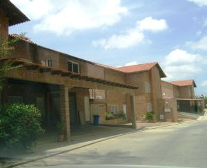 Townhouse En Venta En Caracas, Loma Linda, Venezuela, VE RAH: 17-4376