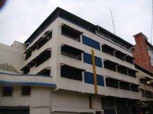 Apartamento En Venta En Caracas, Catia, Venezuela, VE RAH: 17-4380