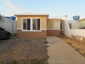 Casa En Alquiler En Punto Fijo, Pedro Manuel Arcaya, Venezuela, VE RAH: 17-4408