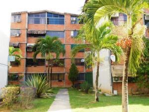 Apartamento En Venta En Guarenas, Nueva Casarapa, Venezuela, VE RAH: 17-4407