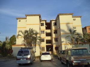 Apartamento En Venta En Municipio San Diego, Chalet Country, Venezuela, VE RAH: 17-4418