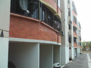 Apartamento En Venta En Valencia, Parque Valencia, Venezuela, VE RAH: 17-4430