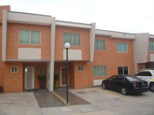 Townhouse En Venta En Valencia, Manongo, Venezuela, VE RAH: 17-4423