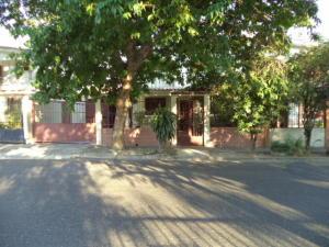 Casa En Venta En Valencia, Los Caobos, Venezuela, VE RAH: 17-4439