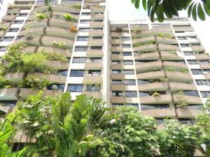 Apartamento En Venta En Caracas, Santa Eduvigis, Venezuela, VE RAH: 17-4474