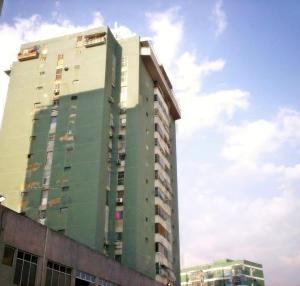 Apartamento En Venta En La Victoria, Avenida Victoria, Venezuela, VE RAH: 16-8053