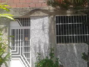 Casa En Venta En Catia La Mar, Las Tunitas, Venezuela, VE RAH: 17-4500