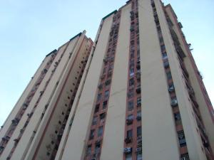 Apartamento En Venta En Maracay, El Centro, Venezuela, VE RAH: 17-4503