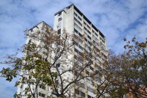 Apartamento En Venta En Caracas, Montecristo, Venezuela, VE RAH: 17-4533