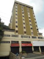 Apartamento En Venta En Valencia, Las Acacias, Venezuela, VE RAH: 17-4525