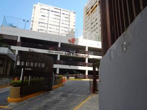 Apartamento En Alquiler En Caracas, Santa Fe Norte, Venezuela, VE RAH: 17-4520