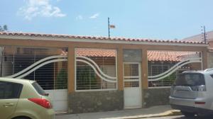 Casa En Venta En Maracay, La Morita, Venezuela, VE RAH: 17-4538