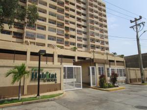 Apartamento En Venta En Maracaibo, Avenida El Milagro, Venezuela, VE RAH: 17-4545