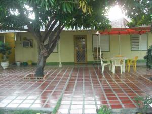 Casa En Venta En Cabimas, Cumana, Venezuela, VE RAH: 17-4591