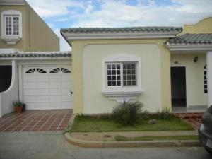 Townhouse En Venta En Maracaibo, Avenida Milagro Norte, Venezuela, VE RAH: 17-4592