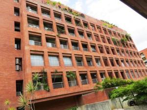 Apartamento En Alquiler En Caracas, Campo Alegre, Venezuela, VE RAH: 17-4637