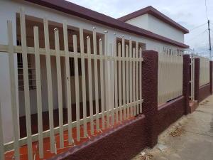 Casa En Venta En Cabimas, Los Laureles, Venezuela, VE RAH: 17-4681