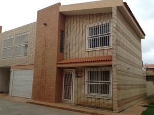 Townhouse En Alquiler En Maracaibo, Canchancha, Venezuela, VE RAH: 17-4679