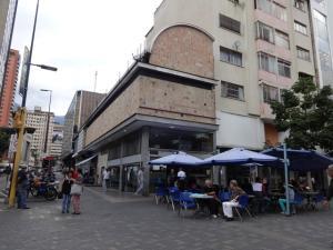 Edificio En Venta En Caracas, Sabana Grande, Venezuela, VE RAH: 17-4680
