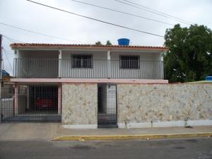 Casa En Venta En Maracaibo, San Miguel, Venezuela, VE RAH: 17-4671