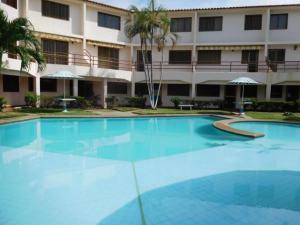 Apartamento En Ventaen Higuerote, Higuerote, Venezuela, VE RAH: 17-4722