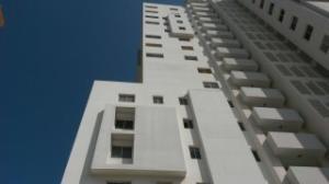 Apartamento En Venta En Maracaibo, Cecilio Acosta, Venezuela, VE RAH: 17-4697