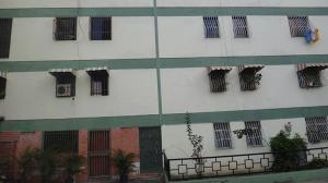Apartamento En Venta En Caracas, Caricuao, Venezuela, VE RAH: 17-4720