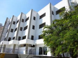 Consultorio Medico  En Venta En Municipio Naguanagua, Los Guayabitos, Venezuela, VE RAH: 17-4724