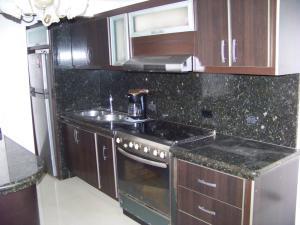 Apartamento En Venta En Municipio San Diego, Terrazas De San Diego, Venezuela, VE RAH: 17-1953