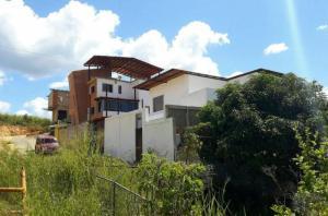 Casa En Venta En Caracas, El Hatillo, Venezuela, VE RAH: 17-4737