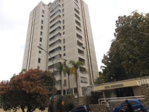 Apartamento En Venta En Caracas, Lomas De Prados Del Este, Venezuela, VE RAH: 17-4740