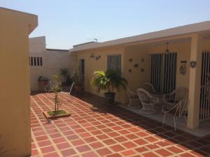 Casa En Venta En Maracaibo, San Miguel, Venezuela, VE RAH: 17-4856