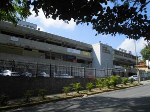 Local Comercial En Venta En Caracas, Prados Del Este, Venezuela, VE RAH: 17-4776