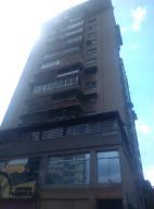 Apartamento En Venta En Caracas, El Marques, Venezuela, VE RAH: 17-4778